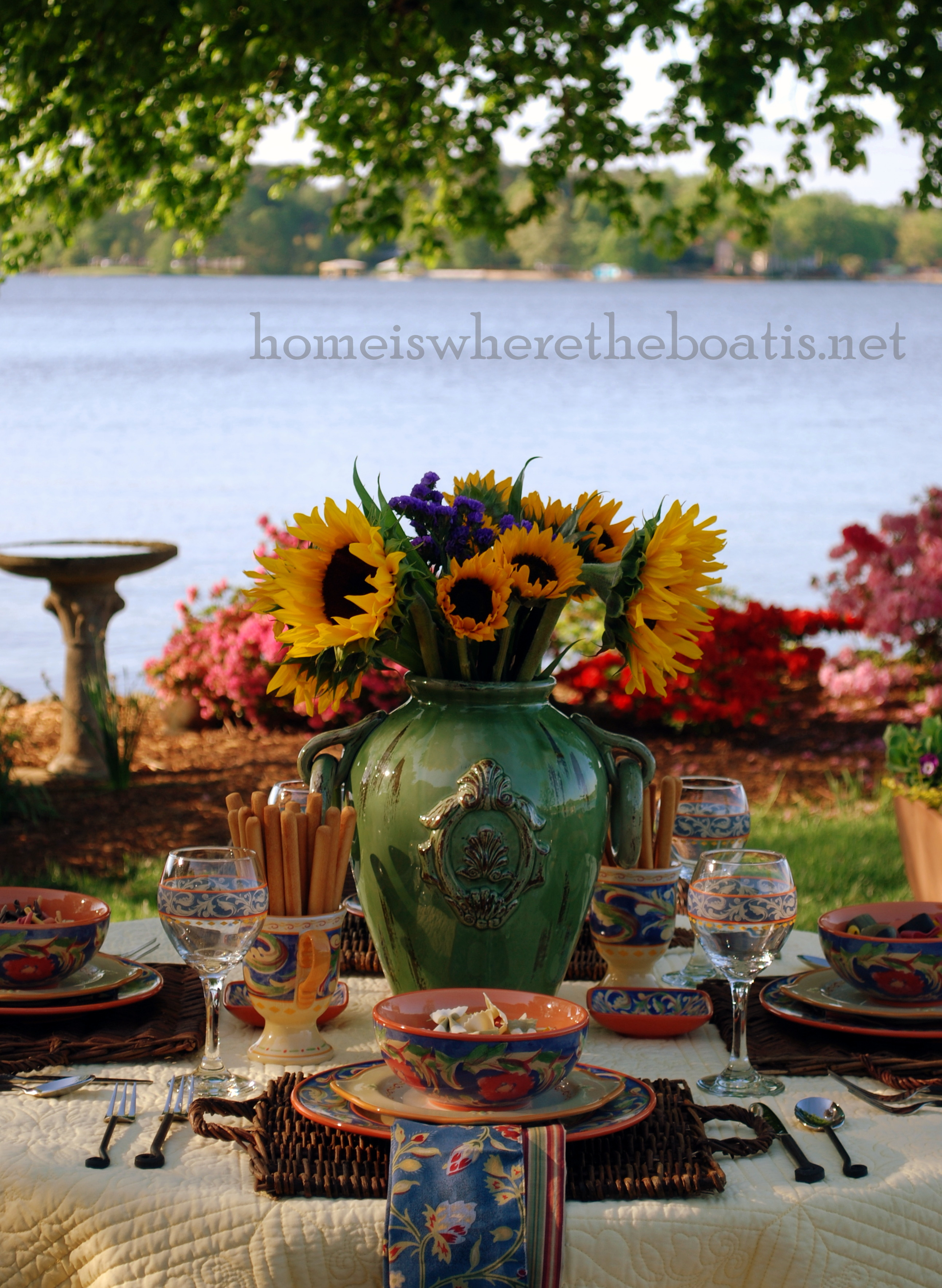 ... Iu0027m at the table enjoying some welcome sunshine flowers and dining al fresco with the vibrant collection of Villa della Luna dinnerware! & At the Table~ Villa della Luna u2013 Home is Where the Boat Is