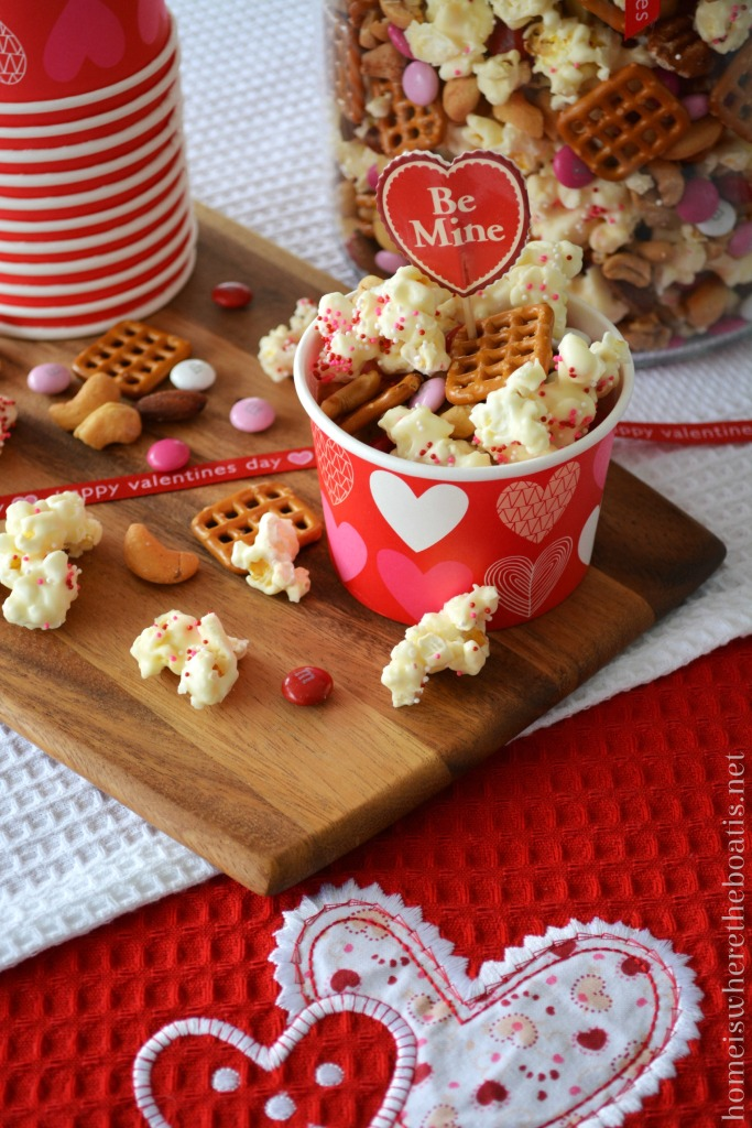 Cupid's Mix Popcorn! A love-inducing mixture and sweet & salty treat for Valentine's Day! | homeiswheretheboatis.net