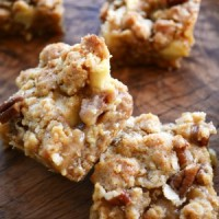 Easy Caramel Apple Bars!