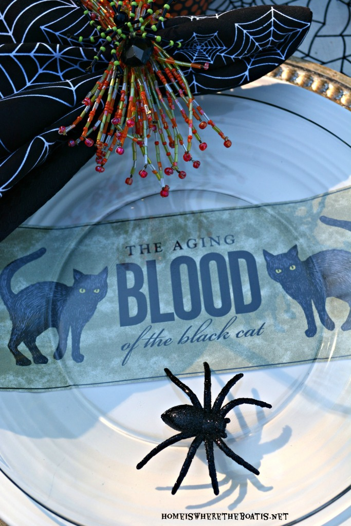Witches' Potion Table Halloween Tablescape | ©homeiswherethebotis.net #halloween #tablescapes #witch #alfresco