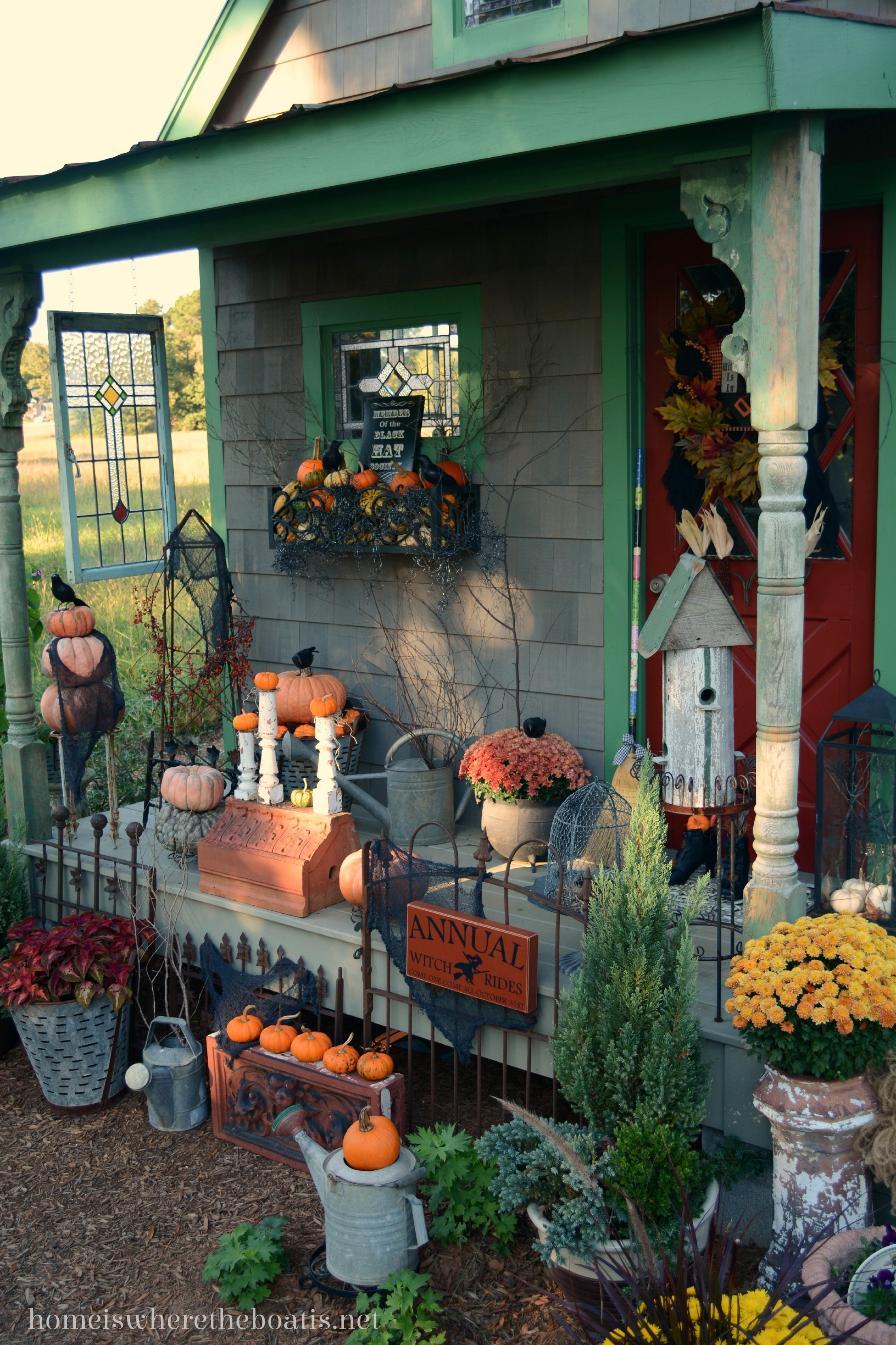 1000 images about outdoor decorating on pinterest for Home and garden halloween decorations