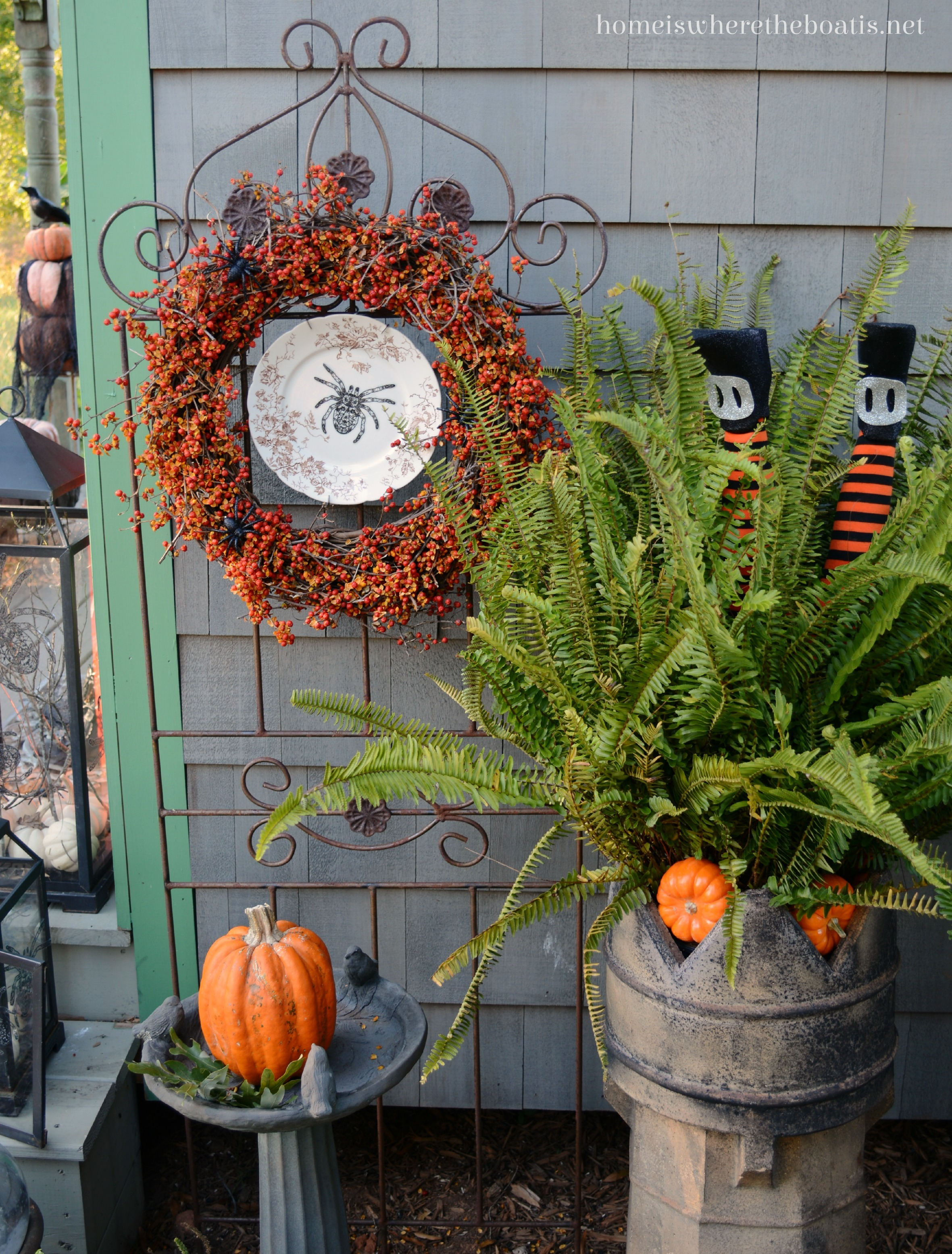 1000 images about outdoor decorating on pinterest for Pinterest halloween outdoor decorations