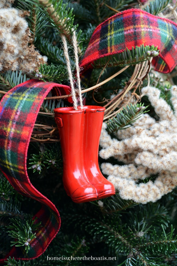 Wellie ornament Christmas tree Potting Shed | ©homeiswheretheboatis.net