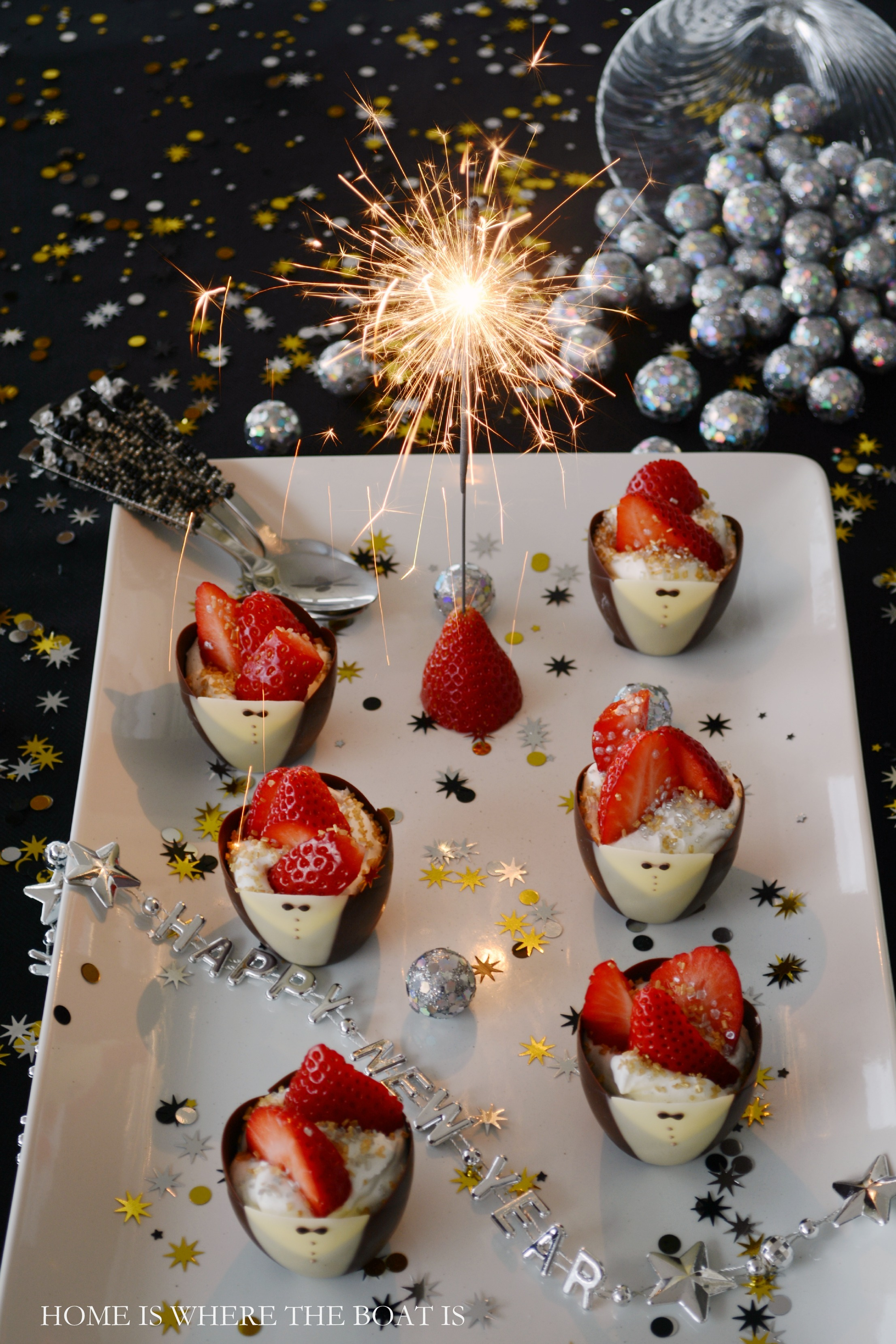 Happy New Year: Chocolate Tuxedo Cups with Strawberries ...