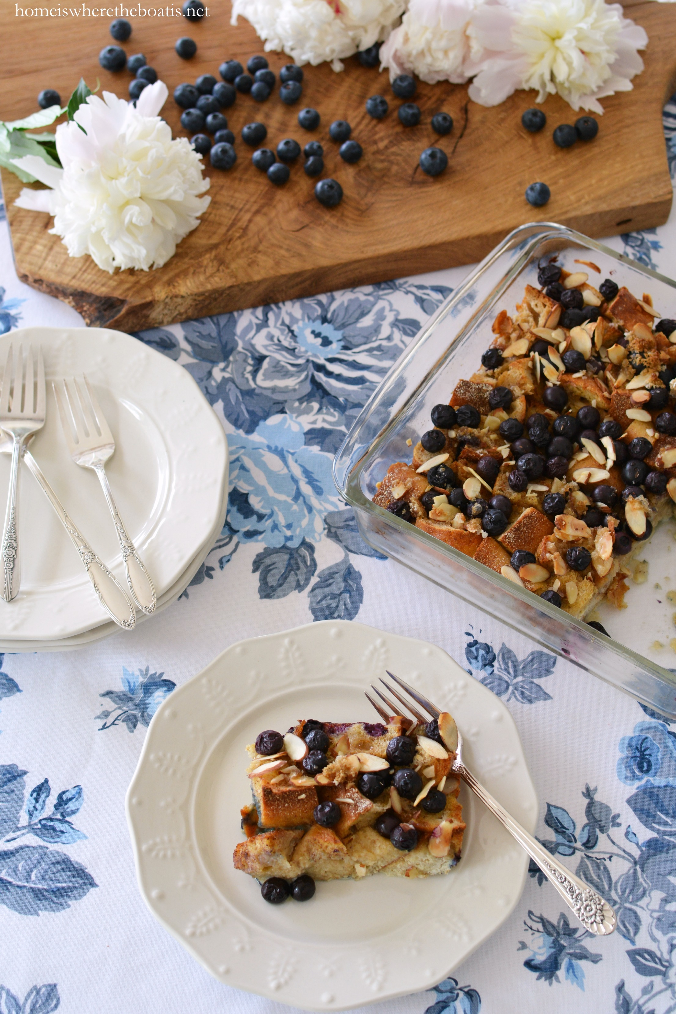 Guilt-Free Blueberry Almond Baked French Toast | homeiswheretheboatis ...