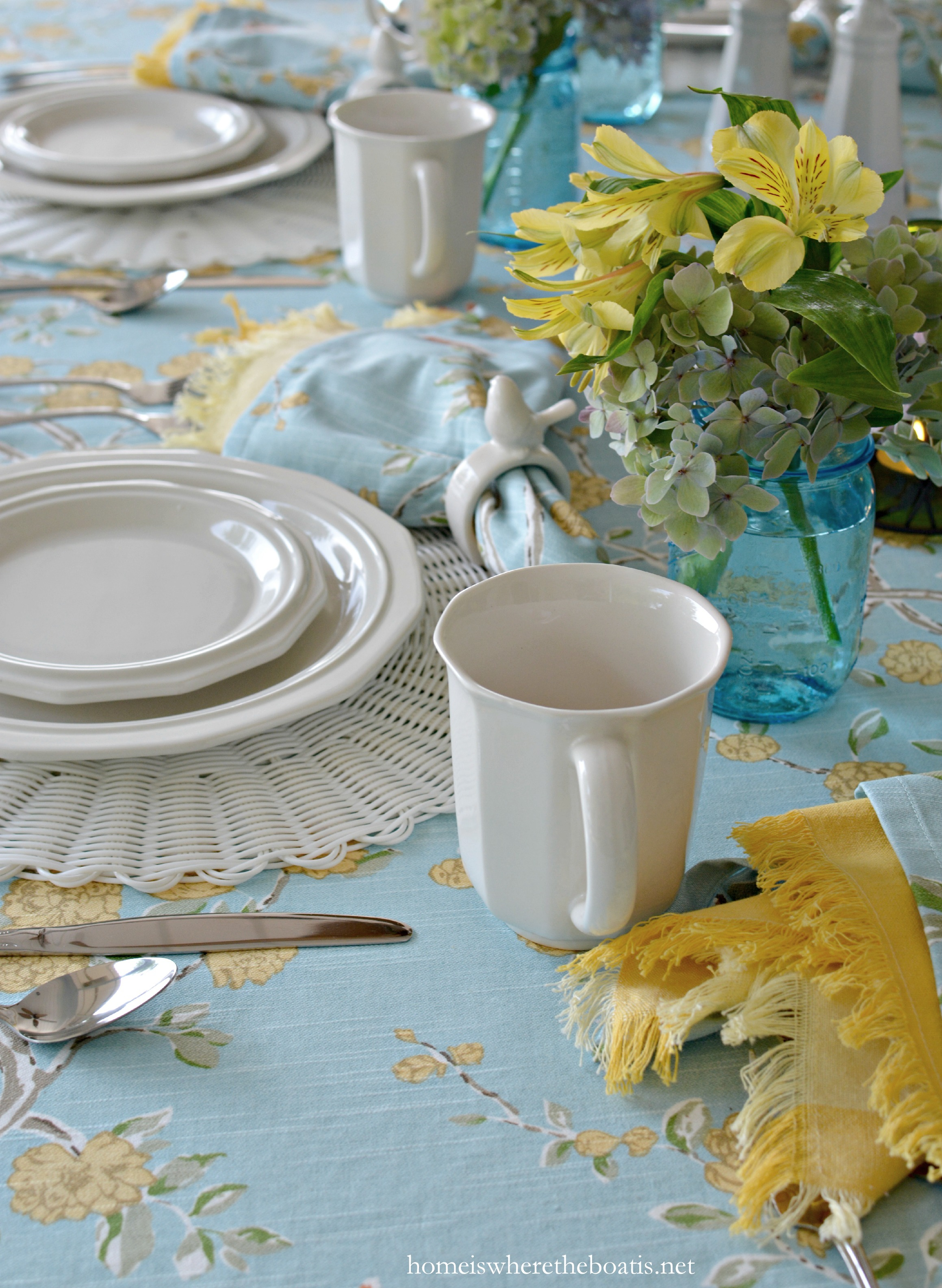 I\u0027m at the table with birds blooms and Pfaltzgraff Heritage Dinnerware. & At the Table: Birds Blooms and Pfaltzgraff Heritage Dinnerware ...