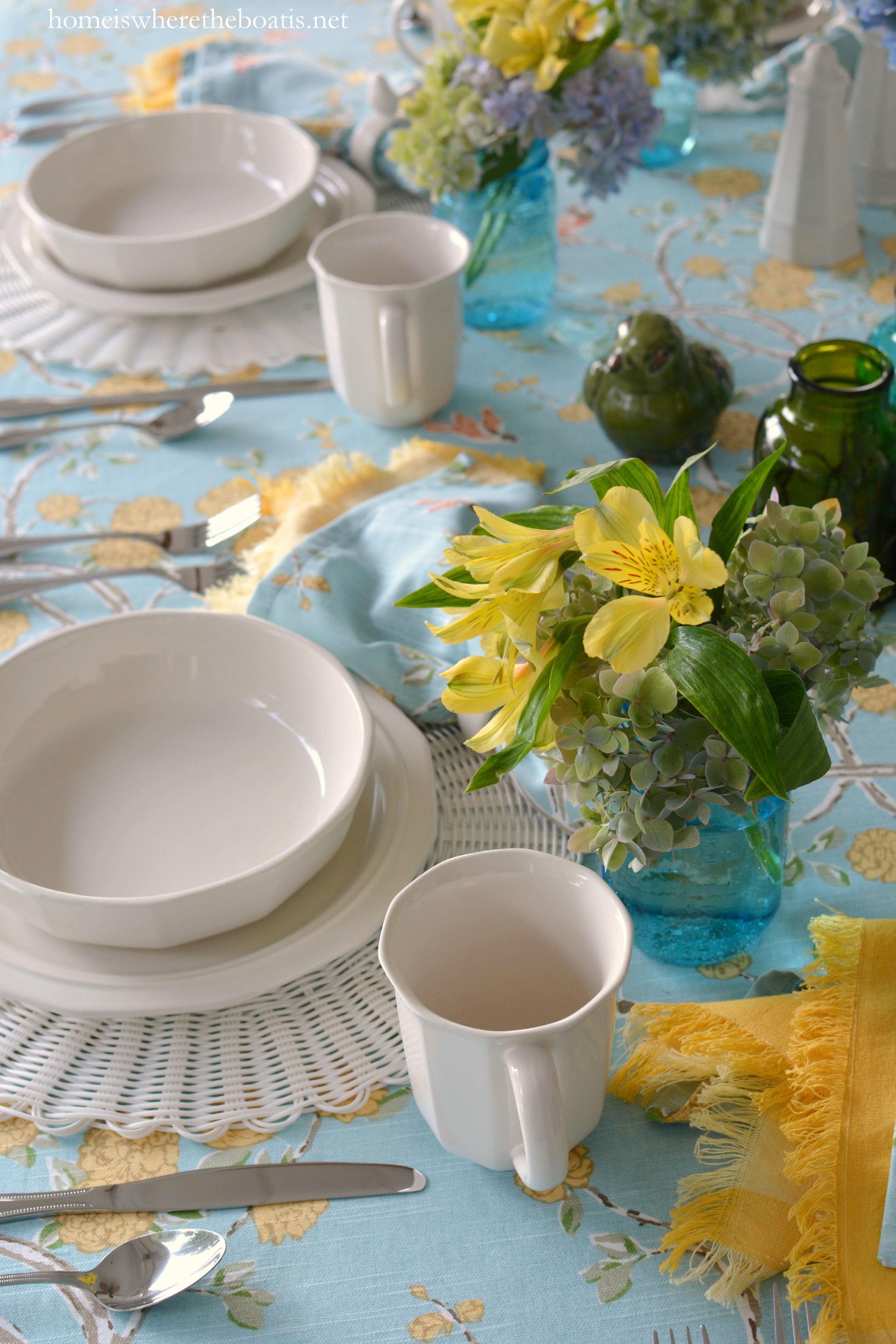 And a set of 3 Elements green ceramic birds are nesting with the flowers at the table. & At the Table: Birds Blooms and Pfaltzgraff Heritage Dinnerware ...