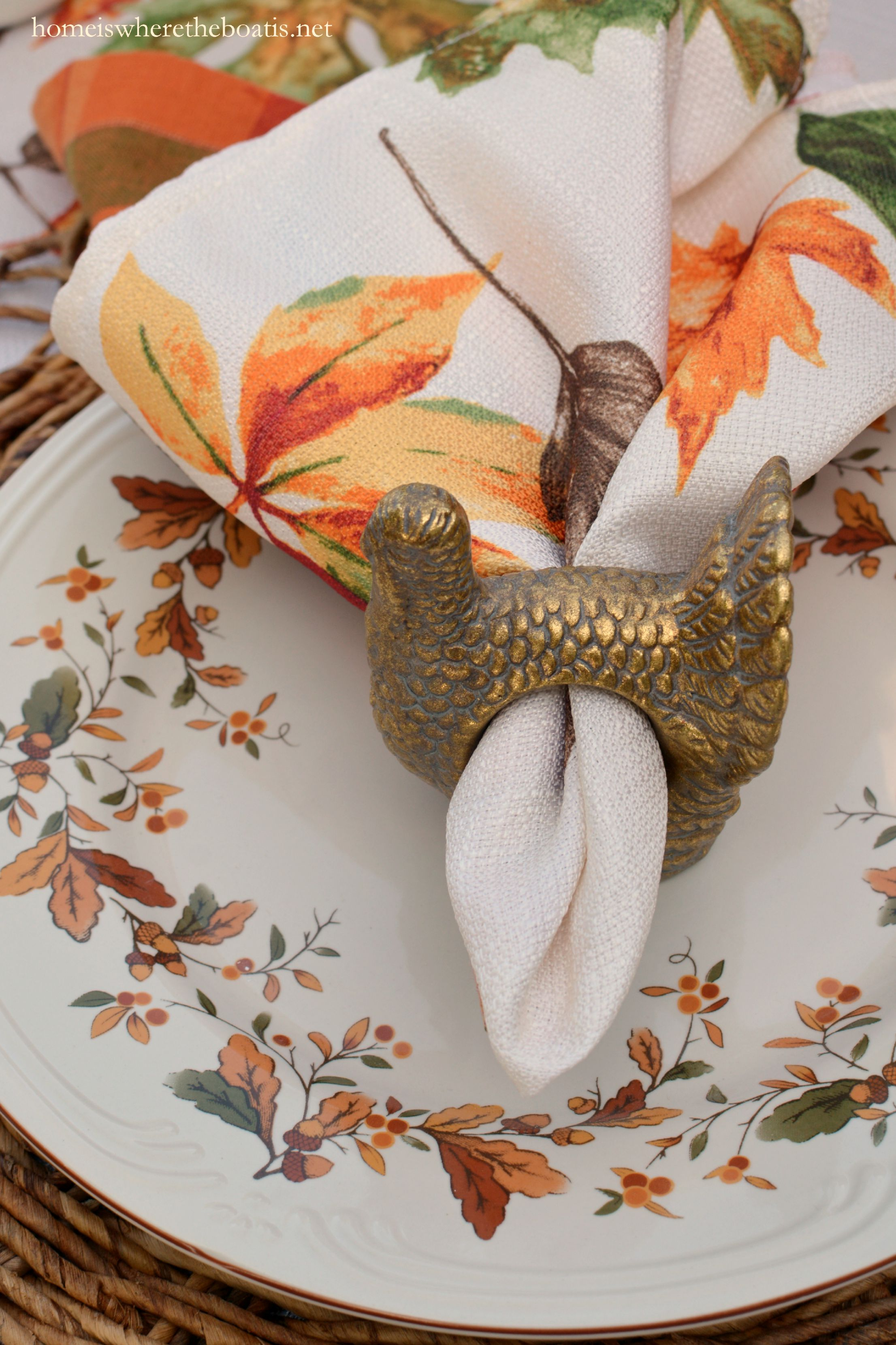 Autumn Berry coordinates with Pfaltzgraff Filigree sharing the same white embossed scrolled detailing around the rims. & Scattered Leaves Turkeys and Pfaltzgraff Autumn Berry Dinnerware ...