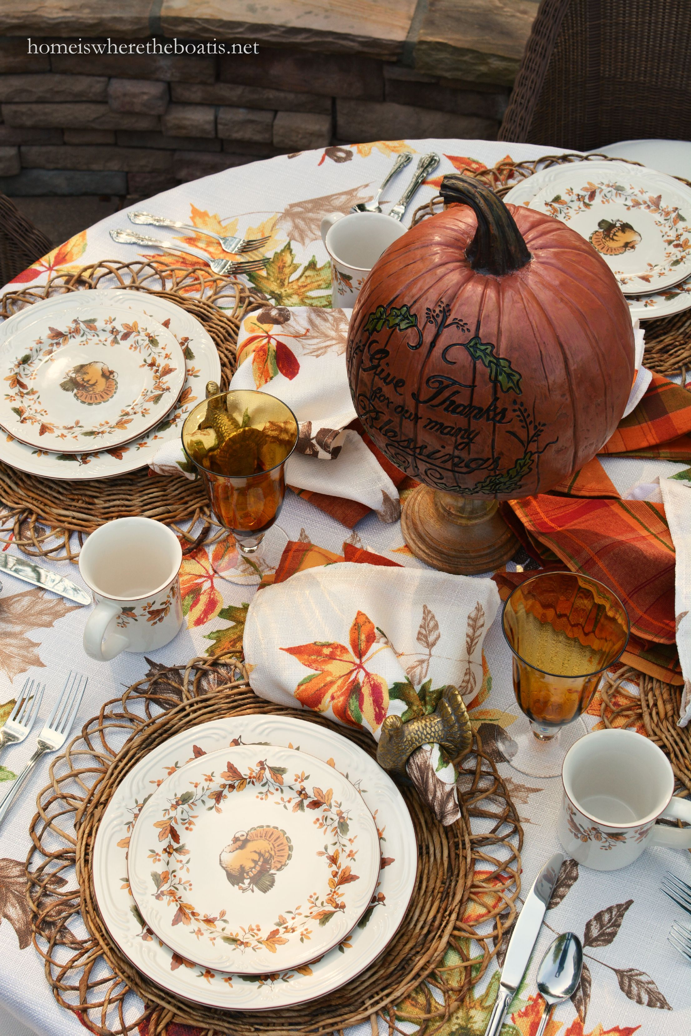 I\u0027m at the table with scattered leaves turkeys and Pfaltzgraff Autumn Berry Dinnerware. & Scattered Leaves Turkeys and Pfaltzgraff Autumn Berry Dinnerware ...