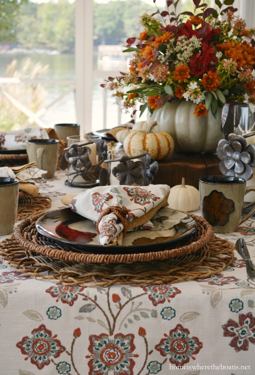 At the Table: Pfaltzgraff Painted Poppies and a Blooming Pumpkin