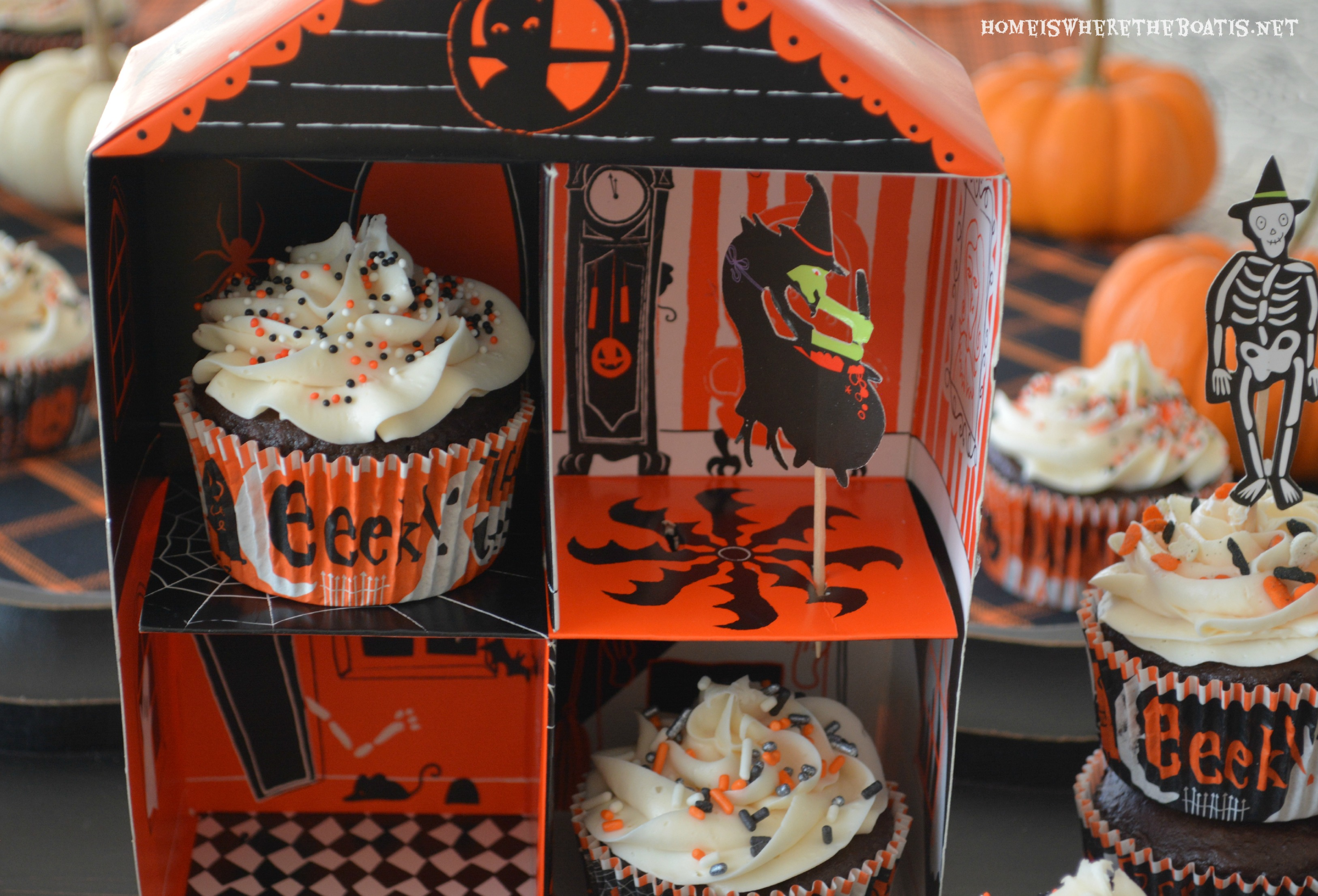 I Couldn T Resist This Vintage Colonial Dollhouse From The: Halloween Oreo Surprise Inside Cupcakes