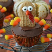 Keep Calm and Gobble On: Nutter Butter Turkey Cupcakes!