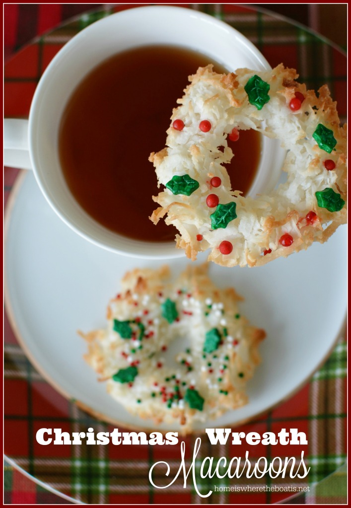 Christmas Wreath Macaroons