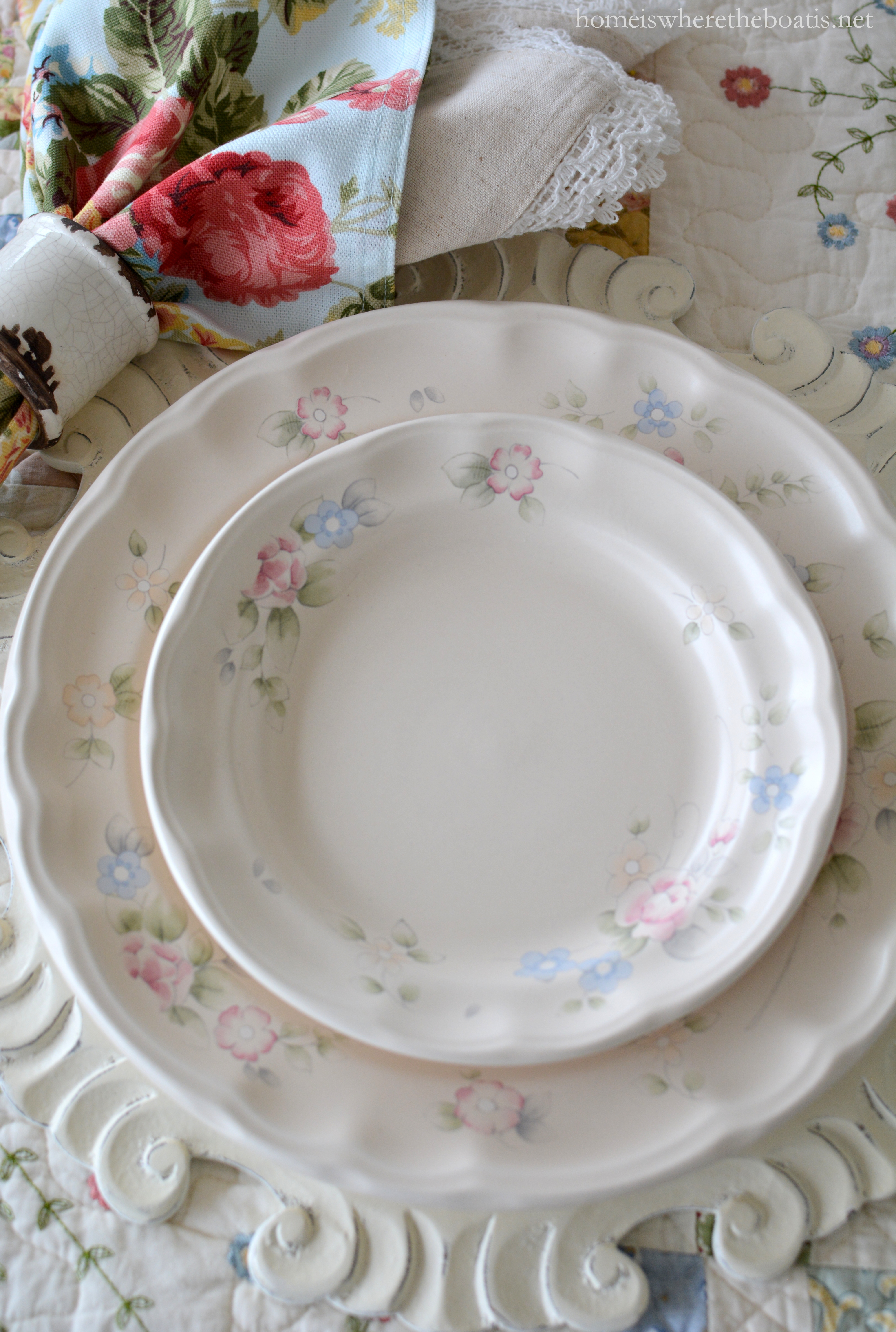 Blooming since 1985 Pfaltzgraff Tea Rose blends the traditional romance of roses with the charm and a touch of the English countryside and is a pattern ... & At the Table: Roses Bunnies and Pfaltzgraff Tea Rose Dinnerware ...