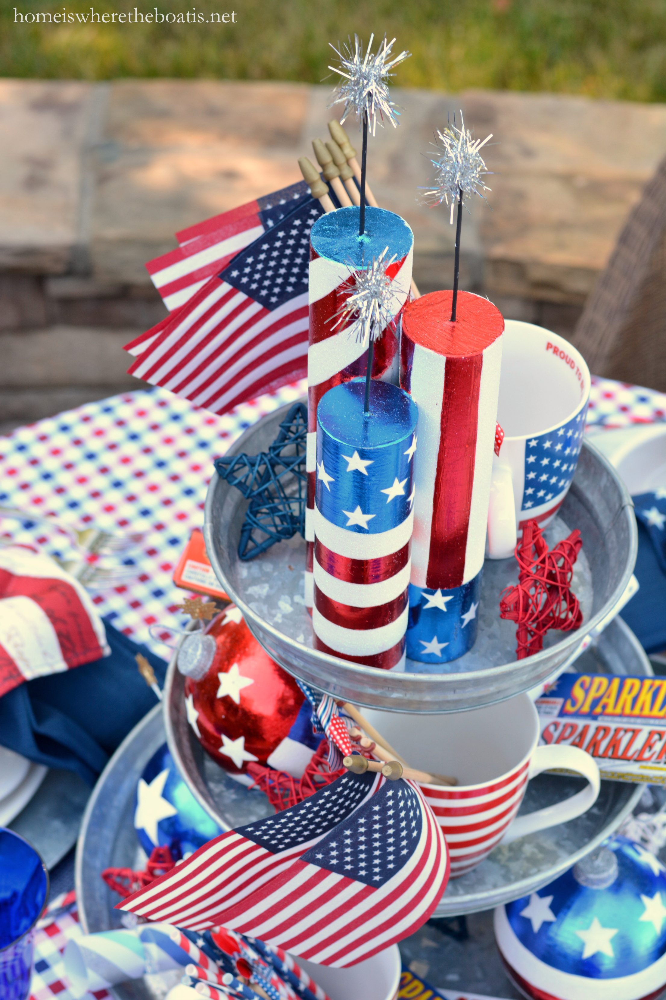 ... conventional round shape rounded corners of Pfaltzgraff Filigree square dishes make it easy to mix and match with the round Filigree dinnerware pieces. & Celebrate the Red White and Boom Patriotic Table with Pfaltzgraff ...
