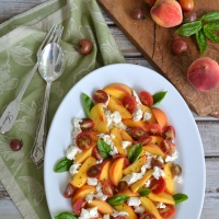 Peach Caprese Salad and Just Peachy Recipe Round-Up!