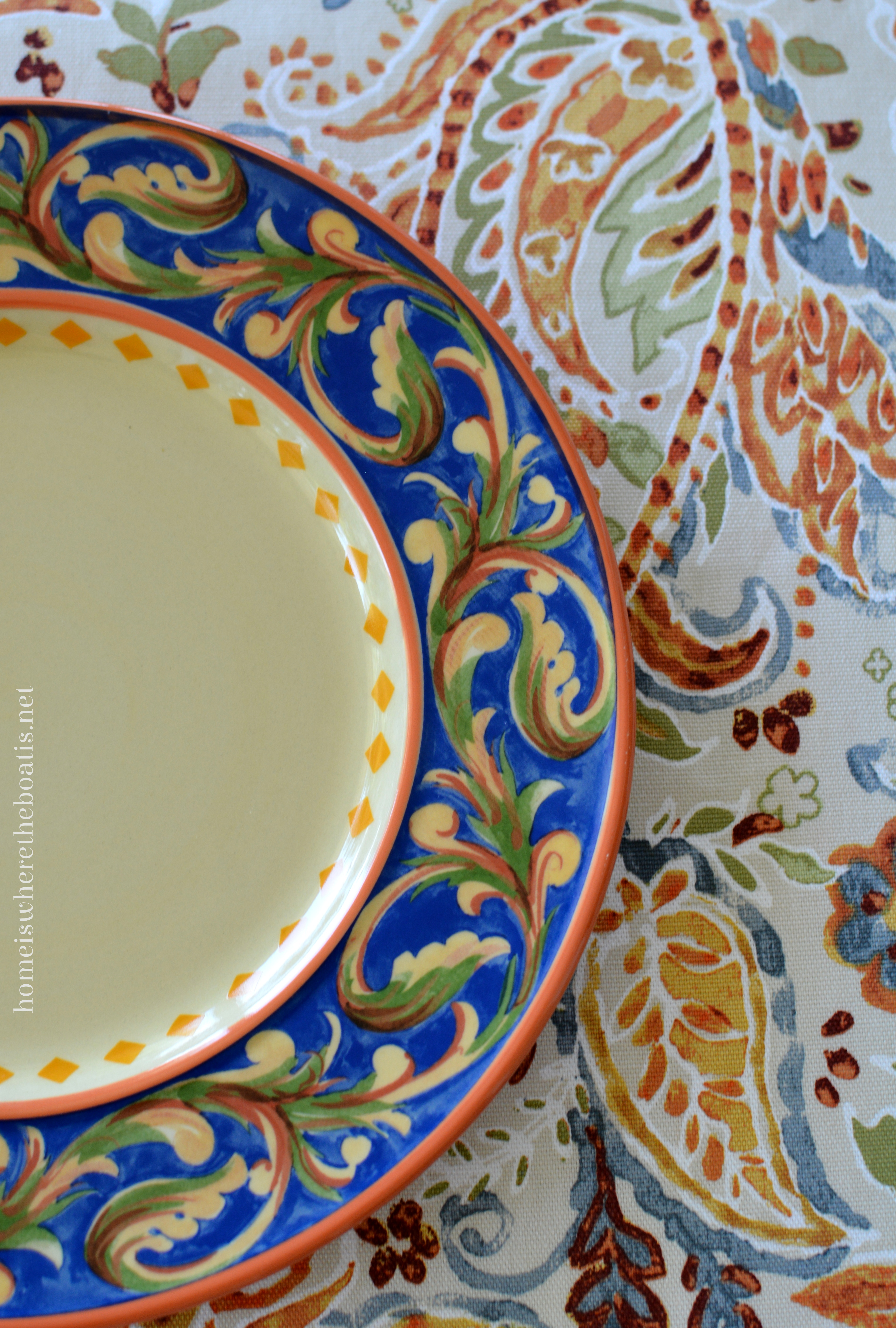 ... stylized paisley pattern provides a foundation for the table with a similar acanthus leaf found in the border of the Villa della Luna plates and mugs. & A Lakeside Table with Pfaltzgraff Villa della Luna Dinnerware u2013 Home ...