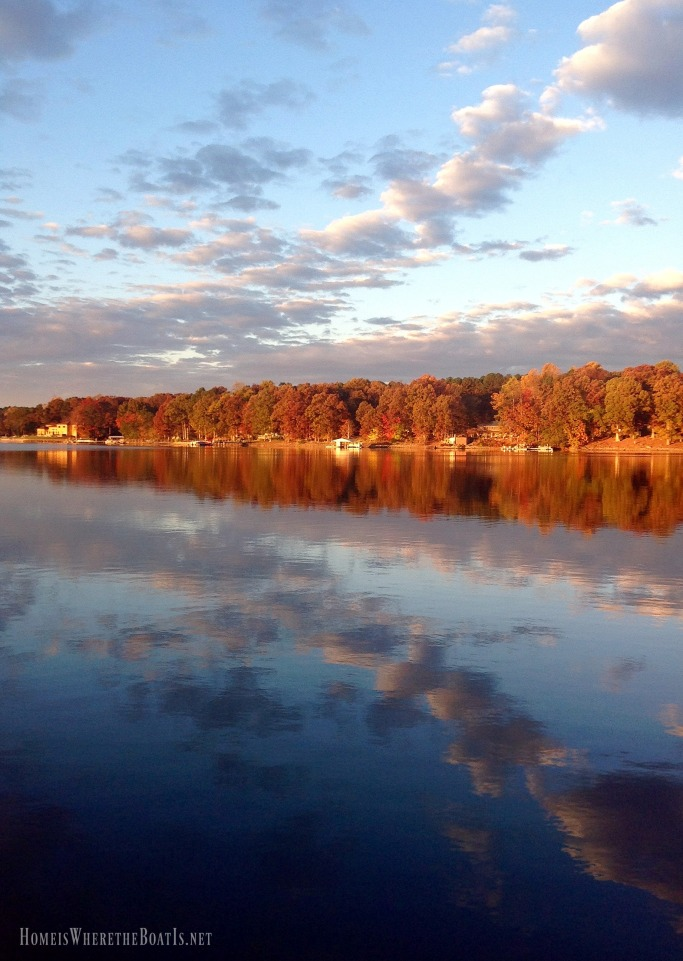 Fall reflections Lake Norman | ©homeiswheretheboatis.net #fall #lake #LKN