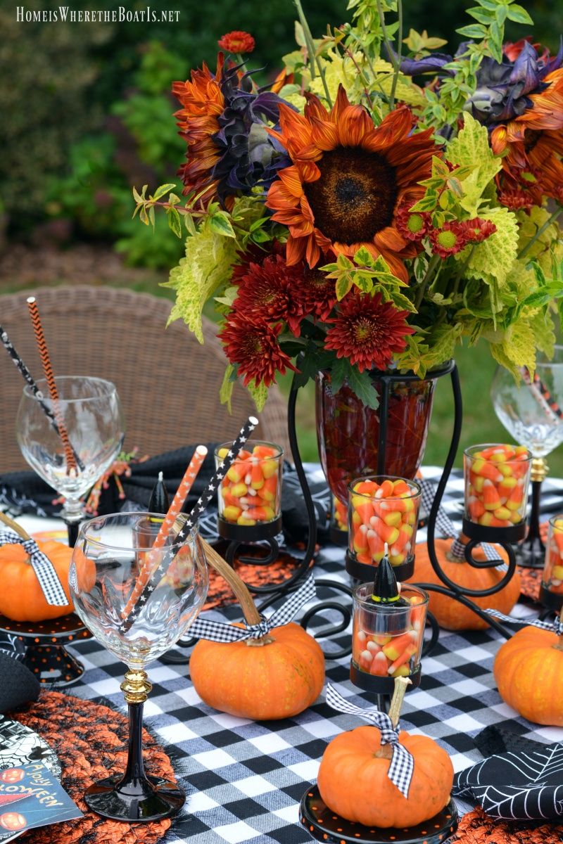 A Jolly Halloween Table