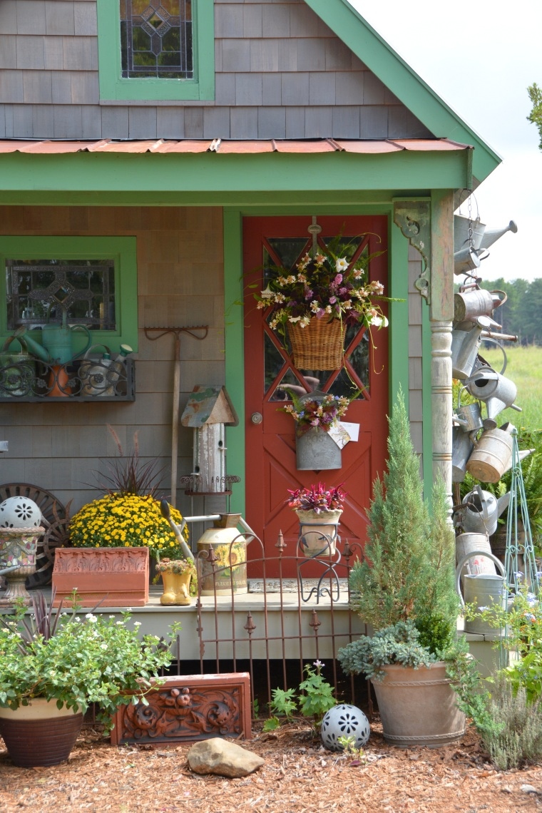 Home is Where the Boat Is – Potting, Puttering & Pontooning