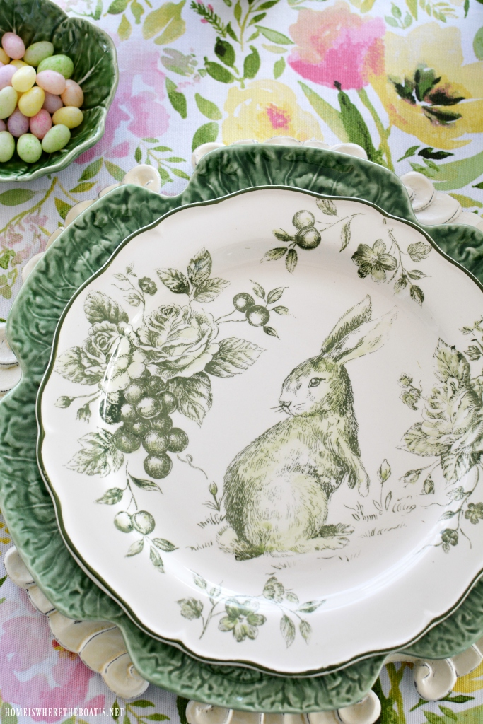 Hopping Down The Bunny Trail Table Spring Blooming
