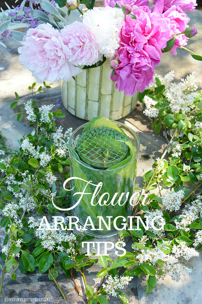Garden Bouquet Tips and Flower Arranging Hack using something you usually throw away! | homeiswheretheboatis.net #peonies #DIY #recycle #flowers