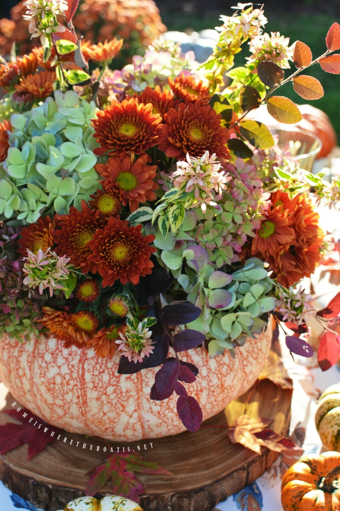 Thanksgiving Boat Centerpiece : Alfresco thanksgiving table and blooming pumpkin