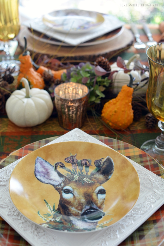 'Woodsy and Wise' Whimsical Fall Table | ©homeiswheretheboatis.net #fall #tablescapes #plaid #owls
