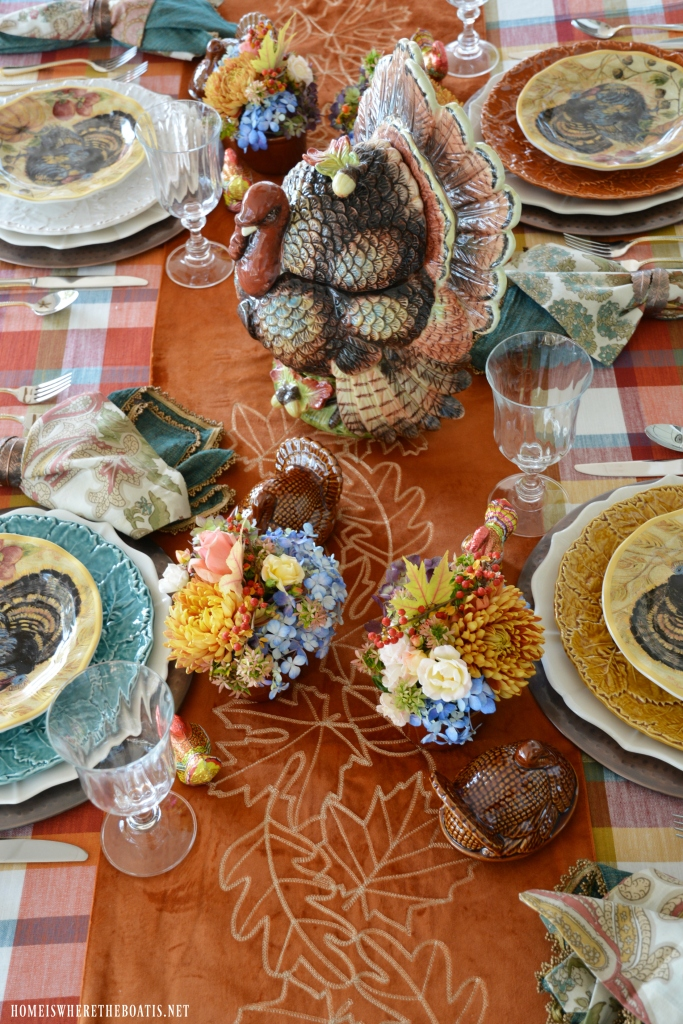 Mini Blooming Turkey Tureens for Thanksgiving tablesetting | ©homeiswheretheboatis.net #Thanksgiving #tablescapes #flowerarranging