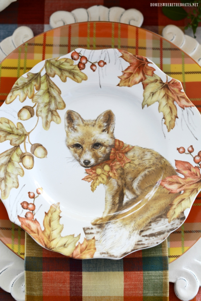 Woodland Friends Fall Tablescape   ©homeiswheretheboatis.net #flowers #fall #centerpiece #tablescapes