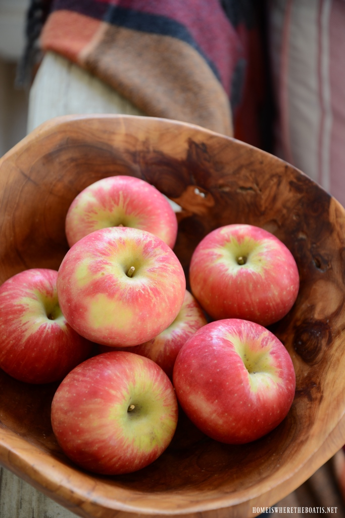 Apples on the Porch | ©homeiswheretheboatis.net #fall #porch #apples