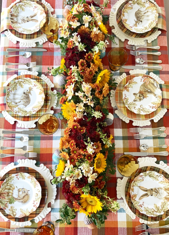 Woodland Friends Fall Tablescape and DIY fresh flower table runner | ©homeiswheretheboatis.net #flowers #fall #centerpiece #tablescapes