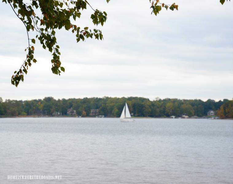 Weekend Waterview sailboat Lake Norman | ©homeiswheretheboatis.net