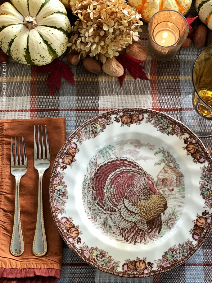 Autumn Monarch by Johnson Brothers | ©homeiswheretheboatis.net #thanksgiving #tablescapes #easy #turkey