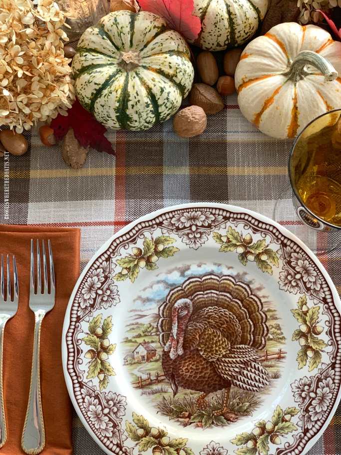 Victorian English Pottery Turkey by Edward Challinor | ©homeiswheretheboatis.net #thanksgiving #tablescapes #easy #turkey