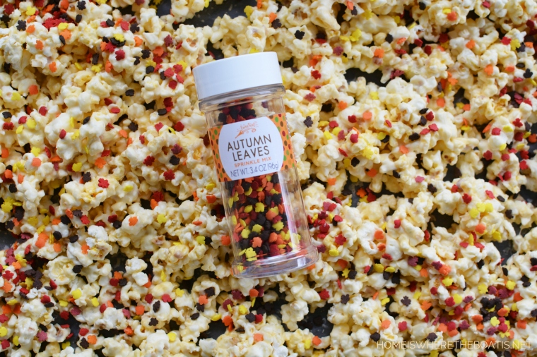 An Easy No-Bake Treat: Cornucopia Popcorn Snack Mix | ©homeiswheretheboatis.net #thanksgiving #popcorn #nobake #treat #recipes