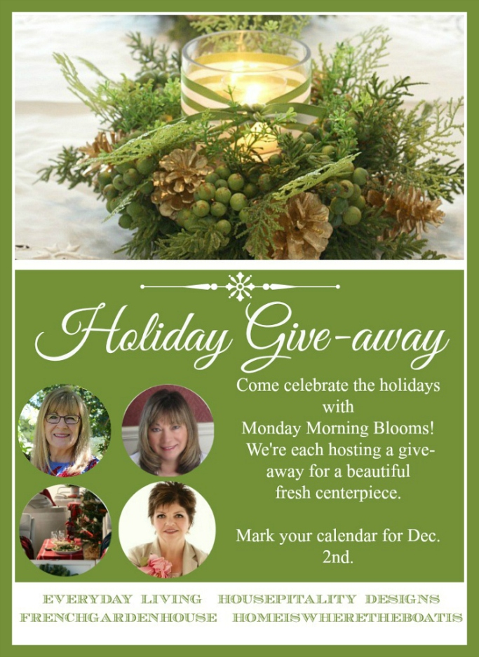 Holiday Centerpiece Giveaway Monday Morning Blooms | ©homeiswheretheboatis.net
