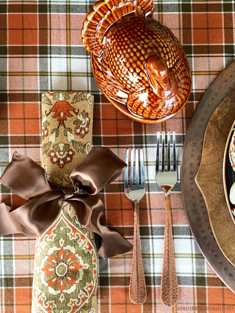 Thanksgiving Tablescape with plaid and mini turkey tureens | ©homeiswheretheboatis.net #thanksgiving #tablescapes
