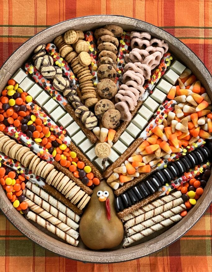 Turkey Dessert Board for Thanksgiving or Friendsgiving   ©homeiswheretheboatis.net #thanksgiving #dessert #friendsgiving
