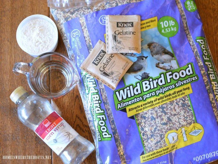 Bird feeder wreath DIY ingredients | ©homeiswheretheboatis.net #birds #winter #feeder #wreath #DIY