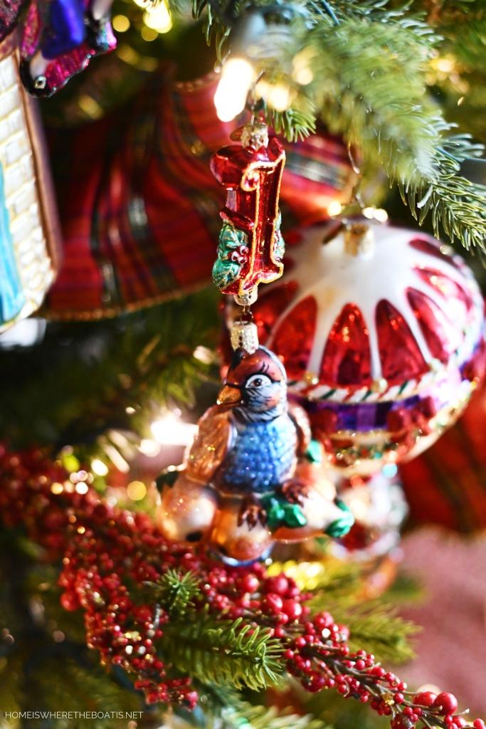 Partridge Pear Tree Ornament | ©homeiswheretheboatis.net #Christmas #tree