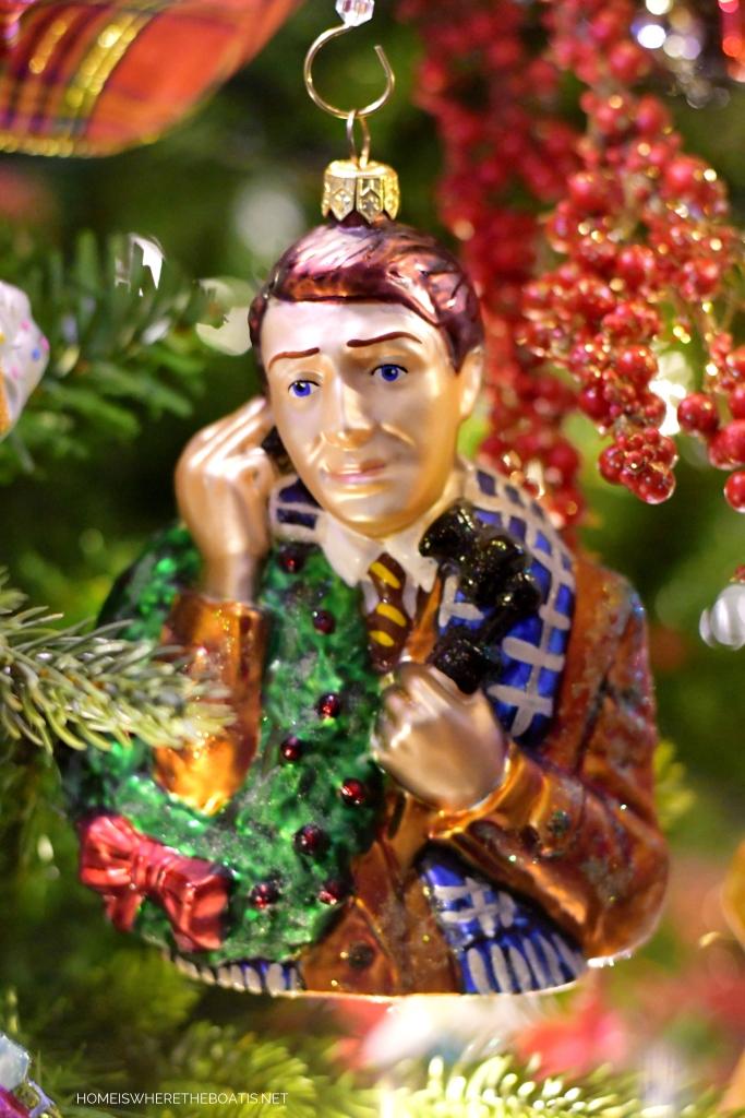 It's a Wonderful Life Christmas Ornament | ©homeiswheretheboatis.net #Christmas #tree