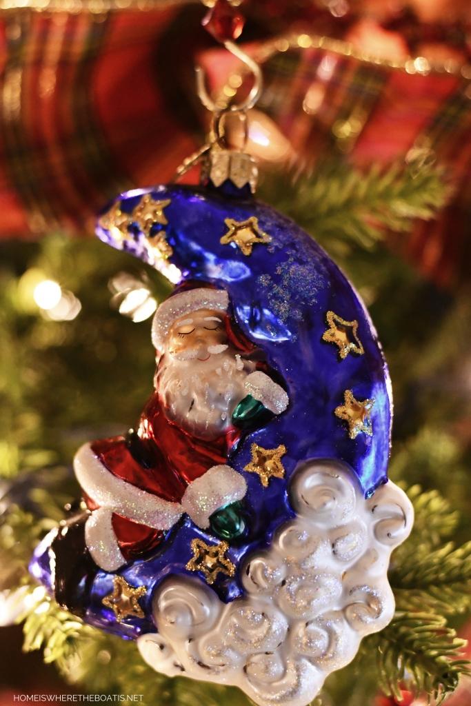 Santa and Moon Christmas Ornament | ©homeiswheretheboatis.net #Christmas #tree