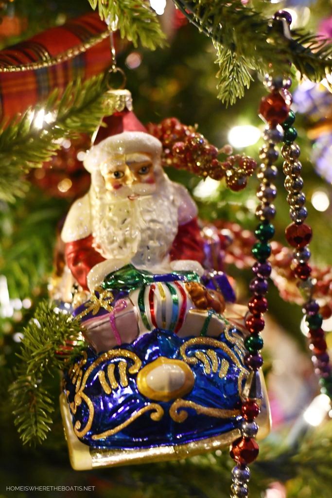 Santa and Sleigh Christmas Ornament | ©homeiswheretheboatis.net #Christmas #tree