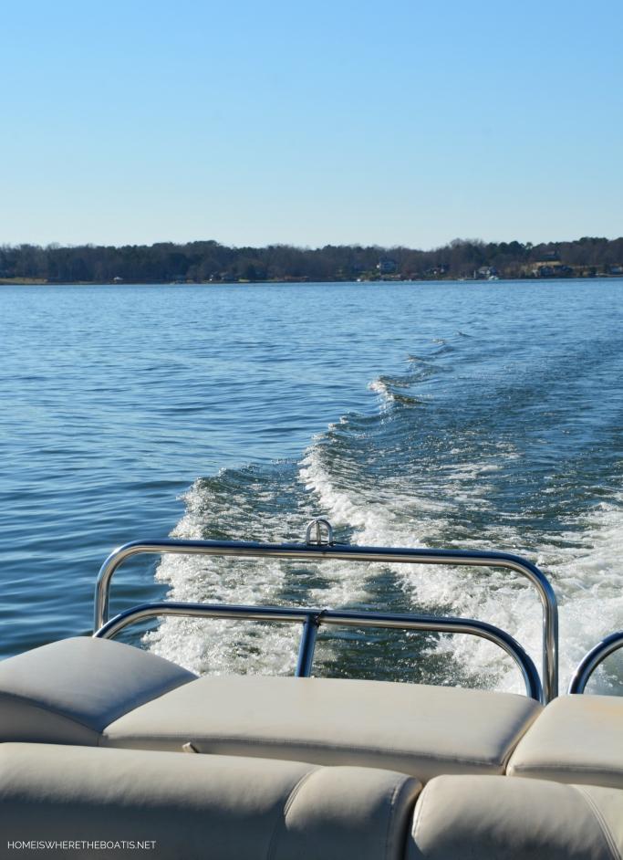 Weekend Waterview: December Boating | ©homeiswheretheboatis.net #LKN #boat