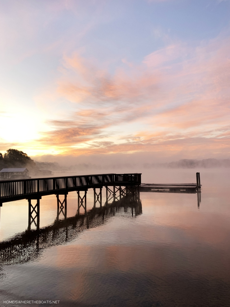 Sunrise with steam fog on Lake Norman | ©homeiswheretheboatis.net #LKN #sunrise