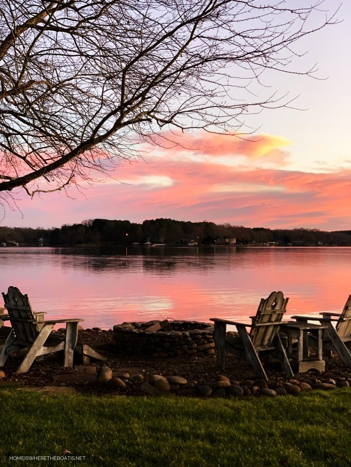 Sunset December Lake | ©homeiswheretheboatis.net #LKN #sunset