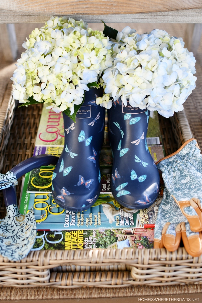 Butterfly garden booties with hydrangeas | ©homeiswheretheboatis.net