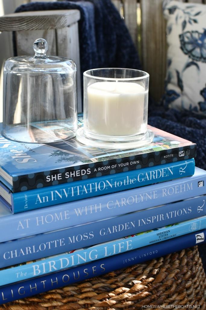 Winter reading inspiration | ©homeiswheretheboatis.net