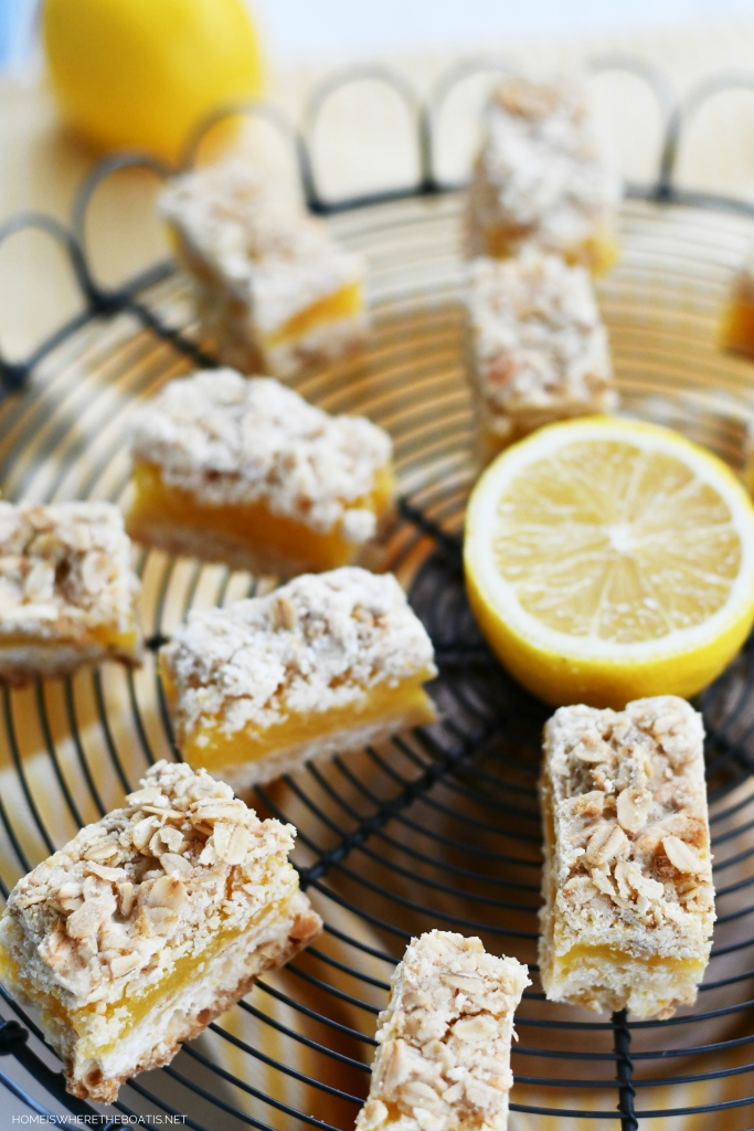 Lemon Crumble Bars | ©homeiswheretheboatis.net #lemon #dessert #bars #recipes